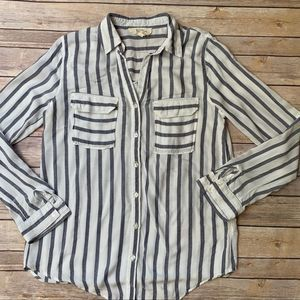 💎5/$25💎Rayon Striped button down